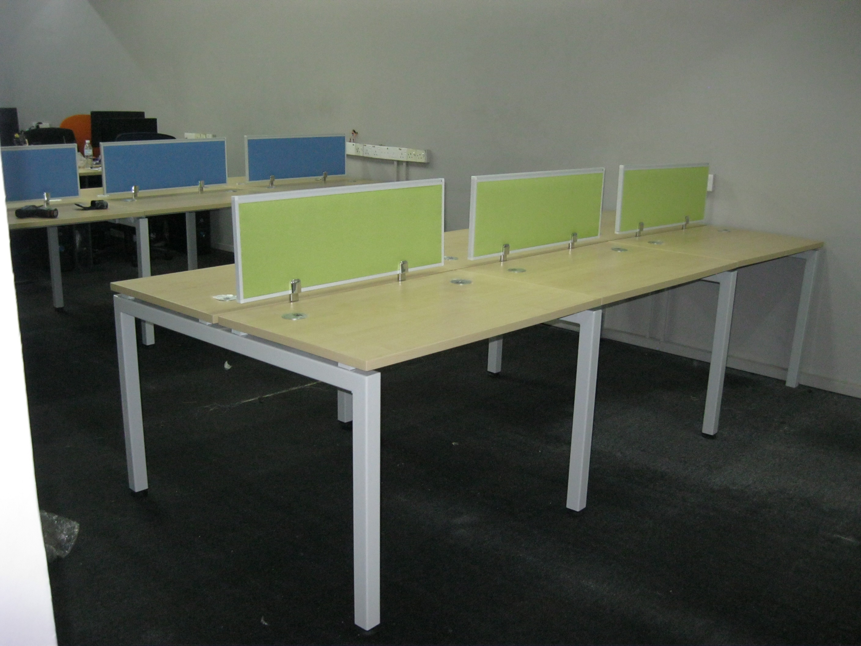 Working Table With Hanging Divider Partition Board A 2 Z